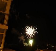 Fuegos artificiales (Charo Hernández) Tags: timelapse palencia noche luz color pólvora charohernández exterior