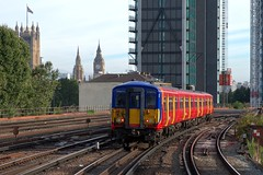 455901 (40011 MAURETANIA) Tags: vauxhall southwesttrains southwest swt blue red class 450 455 456 444 458 159 waterloo train unit emu electricmultipleunitparliament housesofparliament