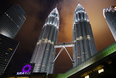 The twin at night (yusron@motret) Tags: sky twintowers malaysia kualalumpur noperson