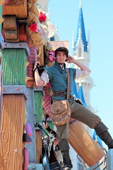 IMG_8260 (PirateLyssa) Tags: parade disneyworld wdw waltdisneyworld rapunzel tangle magickingdom flynn fof flynnrider festivaloffantasy