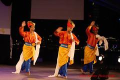 standard japin moves (tomzcafe) Tags: singapore esplanade 400d pestaraya autotakumar13535