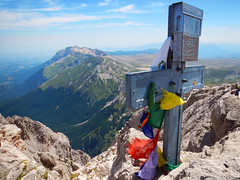 Coloured thoughts (Banana Muffin (Antonio)) Tags: sky italy panorama mountain rock clouds landscape climb nikon italia colours cross tibet chain climbing thoughts summit messages abruzzo laquila appennini campoimperatore cornogrande aw100