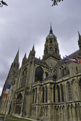Bayeux - Normandy, France (Lsnoeren88) Tags: sky france clouds nikon cathedral flags notredame normandie frankrijk nikkor notre dame normandy bayeux cathedrale kathedraal normandi d5000 nikond5000