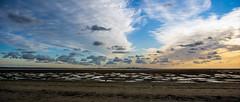 Entre ciel et terre (Alexandre LAVIGNE) Tags: mer nuages paysage plage couleur picardie baiedesomme littoral borddemer lecrotoy louisengival pentaxk3 format2351 hdpentaxda15mmf4allimited