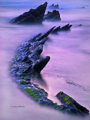 Barrika (Jabi Artaraz) Tags: costa nature atardecer cost natura luna zb formas seda barrika kostaldea euskoflickr superaplus aplusphoto efectoseda jartaraz
