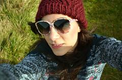 Tut Lara (analogico.tutu) Tags: winter portrait woman selfportrait girl hat sunglasses lomography nikon chica retrato invierno proyect february euskadi tutu proyecto selfie tut pinktutu d5100 tuturosa nikond5100 larahacefotos analogicotutu
