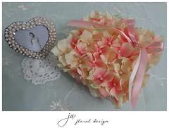 DSC04940b (jw.floraldesign) Tags: wedding floral bride ringbearer hydrangea ringpillow