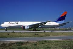Delta B767-332/ER N188DN BCN 08/08/2000 (jordi757) Tags: barcelona nikon airplanes bcn delta kodachrome boeing 767 f90x kodachrome64 avions b767 elprat b767300 lebl n188dn
