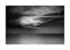 detroit (Joel Leclercq) Tags: espagne estepona soleil vacances gibraltar blackandwhite noiretblanc skyporn cloudporn landscape sea clouds sky contrast spain detroit europa boat