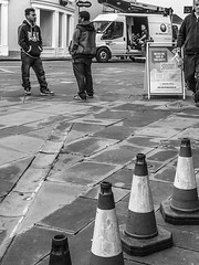street-bridgwater_0531-251016 (Peadingle) Tags: street photography black white bridgwater somerset