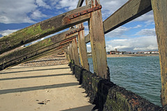 18199 Littlehampton 9 Oct 16 (call me Michael) Tags: sussex littlehampton harbour beach sea groyne