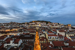 above the rooftops... (Blende1.8) Tags: cityscape stadtlandschaft lissabon lisbon lisboa portugal urban city lichter lights hgel sky himmel aebnd abend evening nikon d750 afs nikkor 1635mm carstenheyer festung castle fortress