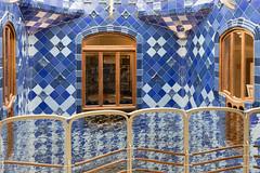 Casa Batllo Balcony (Glenn Shoemake) Tags: canonef1635f28lii gaudi casabatllo barcelona