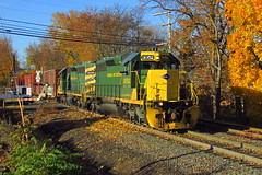 R&N PIFF at Dupont (Hank Rogers) Tags: pa pennsylvania dupont rr railroad train piff rn readingnorthern rbmn trainpiff autumn colors fall leaves brilliant vibrant yellow green 3052 3057 rn3052 rn3057