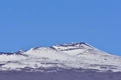 Mauna Kea summit and observatory covered in snow. (pedrik) Tags: sooc d7200 afsdxvrnikkor55300mm4556g hawaii bigisland maunakea observatory telescope snow summit 4207m maunaloa