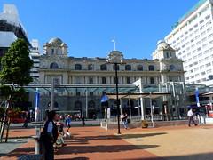 Auckland City, Elizabeth Square (Sandy Austin) Tags: newzealand auckland trainstation northisland britomart queenstreet sandyaustin panasoniclumixdmcfz40