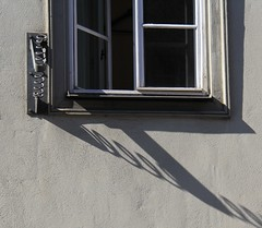 At Prinzenpalais in Coburg (:Linda:) Tags: shadow window wall germany bavaria town coburg open franconia prinzenpalais flagholder