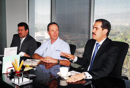 El Gobernador Guillermo Padrés se reunió con el titular de CONAGUA, José Luis Luege. Quien confirmó su compromiso de apoyar con todo el proyecto Sonora SI