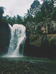 Tegenungan waterfall (mariasimon.ms89) Tags: travel bali green nature water vintage photography waterfall scenery grunge adventure indie indo softgrunge vscocam