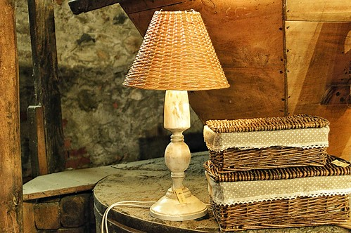 "Negozio in Borghetto • <a style=""font-size:0.8em;"" href=""http://www.flickr.com/photos/121308622@N02/14764015548/"" target=""_blank"">View on Flickr</a>"