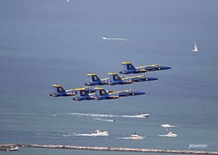 Blue Angels @ CAWS 1287 (JKleeman) Tags: chicago marine navy navypier f18 blueangels usnavy fighterjet chicagoairandwatershow flightdemonstration usnavyblueangels