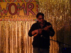 Arch Larizza at Frank's Ukulele Bash 2014 096 (wildukuleleman) Tags: arch larizza franks ukulele bash 2014 provincetown massachusetts mary martin womr franksukulelebash2014 wildukuleleman