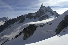 Chamonix, massif du Mont-Blanc, dent du Gant (Ytierny) Tags: france horizontal neige chamonix crevasse montblanc glace alpinisme hautesavoie valleblanche sommet et srac massifdumontblanc dentdugant hautemontagne glacierdugant alpesdunord ytierny