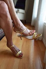 Caprice (IPMT) Tags: red west sexy feet foot high rojo zoya perfect toes bright painted violet plum 9 polish heels mauve pedicure tacones altos toenails violeta toenail caprice pedi yeelied