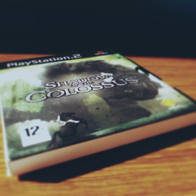 Whit The Last Guardian finally being released next year, I guess Ill play this to get a preview of what is coming 💭🎮 #shadowofthecolossus #playstation2 #thelastguardian #embuscadapergunta