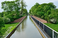 2016 05 28 083 Stratford upon Avon Canal (Mark Baker.) Tags: 2016 baker eu europe mark may aqueduct avon britain british canal cast day edstone england english european gb great iron kingdom longest outdoor photo photograph picsmark rural spring stratford uk union united upon warwickshire