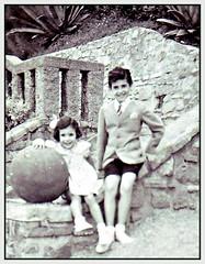 On the beach (Kay Harpa) Tags: enfance childhood biarritz 50ies littlekay blackandwhite familyphotos france thebiggestgroup