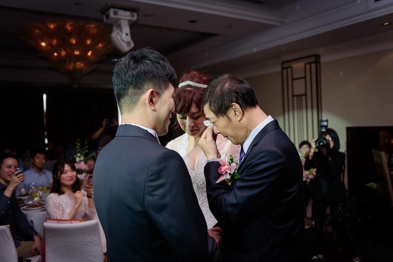 國賓婚攝,台北國賓,國賓飯店婚宴,新秘Miko ,婚攝小勇,台北婚攝, 愛瑞思新娘秘書造型團隊,西敏英國手工婚紗,小寶工作室-033