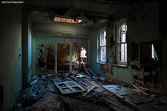 Mountain Ash Hospital - abandoned room