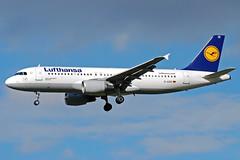 Lufthansa Airbus A320 D-AIZE (gooneybird29) Tags: flugzeug flughafen aircraft airport airplane airline muc lufthansa airbus a320 daize eisenach