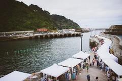 julio-cudillero-zona-del-puerto-panoramica-4 (De tu Sueo y Letra) Tags: mercazoco mercadillo musicaendirecto mascotas mercado ludoteca foodtrucks gastronoma cudillero