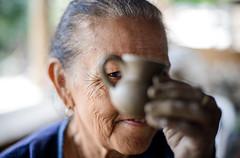 (Herbey Morales Travel & Lifestyle Book) Tags: mexico tecomatepec barro artesana artesana nikon travel documental portrait retrato 50mm f14