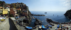 Manarola seaview (Lolo_) Tags: cinque terre italia manarola pano italy boats harbor village colors liguria ligurie port houses maisons unesco mer sea sunbathing italie ligury people rocks gens diving plongeon