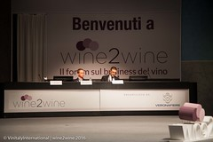 wine2wine Innovazione digitale e' adatta al vino? (Vinitaly International) Tags: wine2wine giacomo malvezzi roberto verdone amy gross vinitaly international veronafiere