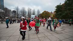 DSC_0955 (critter) Tags: santacon2016 santacon santa bean cloudgate millenniumpark christmas pubcrawl caroling chicago chicagosantacon artinstituteofchicago