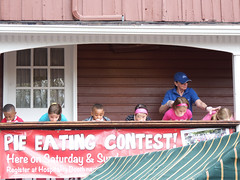2014 Peddler's Village Strawberry Fest 35 (Adam Cooperstein) Tags: pennsylvania buckscounty strawberryfestival lahaska peddlersvillage buckscountypennsylvania lahaskapennsylvania commonwealthpa peddlersvillagestrawberryfestival
