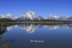 Reflections in the water (Seventh day photography.ca) Tags: mountain reflection water bay unitedstates georgianbay grand wyoming teton 2014 grandtetonnationalpark