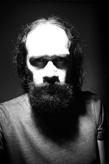 Selfportrait as a skull (Daniel Iván) Tags: old light portrait blackandwhite selfportrait man luz self beard skull blackwhite eyes lowlight shadows retrato autoretrato longhair selfportraits ojos viejo sombras bearded barba calavera blackwhitephotography blackwhitephoto cabellolargo blackwhitephotos