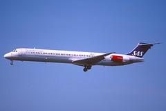 135cd - Scandinavian Airlines MD-81; LN-RMS@ZRH;30.06.2001 (Aero Icarus) Tags: slidescan plane avion aircraft flugzeug jet zrh zürichkloten scandinavianairlines md81 lnrms sas