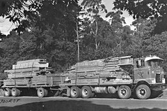 Mack ABFR700RST (PLEIN CIEL) Tags: mack coe lumber bois forage fielddrilling mackcabover cabineavance transportdecargaison abfr700rs abfr700rst lumbertransport tandemfrontaxles