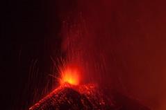 Parossismo 12/08 (Lorenzo Sedita) Tags: italy lava sicily etna eruption catania sicilia vulcano catani eruzione