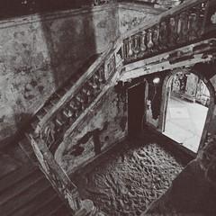 #vsco #saintpetersburg #remains #vintage #kirche #darkness #fade #stairs (ichbinderwishmaster) Tags: stairs vintage darkness kirche fade saintpetersburg remains vsco
