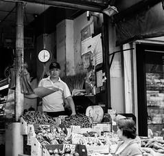 Chinatown (shotem'fromthehip) Tags: street new york bridge usa museum brooklyn america 35mm photography calle nikon chinatown foto cops market taxi soho moma mercado american museo avenue nueva eeuu callejera d7100