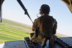 Chinook Door Gunner Over Afghanistan (Defence Images) Tags: door uk afghanistan man military rear free safety equipment helicopter british chinook harness defense gunner defence raf personnel doorgunner royalairforce helmandprovince nonidentifiable pbsterga2
