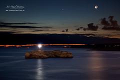 Conjunción Luna, Júpiter y Venus desde Santander (www.fotografianocturna.net) Tags: lighthouse faro venus luna nocturna santander cantabria crepuscular 2014 júpiter conjunción islademouro fotografíanocturna rinconesdecantabria farodemouro photographyjm canon5dmarkii contactojmmperedayahooes jmmperedayahooes fotojosémiguelmartínez josémiguelmp canon24105mmf4eflisusm fotosdecantabria cantabrianocturna fotosdesantander cantabriaenfotos photographyjosémiguel wwwwjosemiguelmartinezes fotografíasdecantabria fotografíajosémiguelmartínezpereda fotógrafonocturno fotógrafonocturnodecantabria fotografíanocturnaencantabria grupodeflickrcantabrianocturna fotografíacrepuscular cielosnocturnosdecantabria conjunciónlunajúpiteryvenus carpeta912 fotografianocturnajosémiguelmartinez lightpaintingencantabria httpfotografianocturnanet httpwwwjosemiguelmartinezes