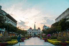 Saigon Sunset (Felix Bodenstein) Tags: city travel sunset nikon vietnam saigon hochiminhcity bats hochiminh d90 sigma1770 hichiminh